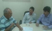 Engenheiro Mauricio Borgo, Edison Ishikura e Ari Campanhã em reunião sobre avaliação do patrimônio quinzeano.